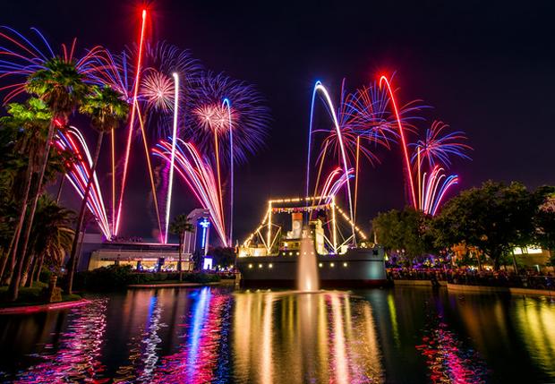 Disneyland-Fireworks-04